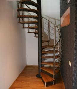 Metāla Vītņu kāpnes