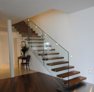 Konsoles-tipa-kāpnes